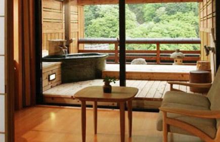 露天風呂付き客室 陶